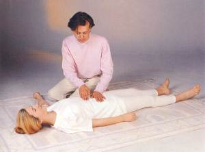SHIATSU: Palpating the Hara From The Book of Shiatsu by Paul Lundberg. Gaia 1992.