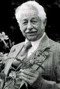 Dr John Christopher: The famous American herbalist 'elder ', who taught thousands the art and science of herbal medicine and natural healing.